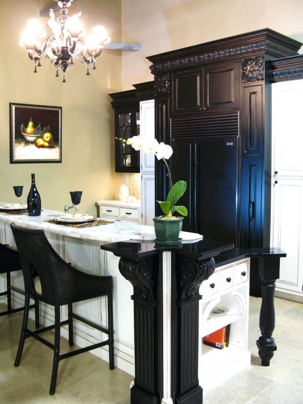Black & White Elegance Kitchen